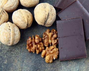 Щоденне вживання волоських горіхів допоможе знизити рівень холестерину ЛПНЩ